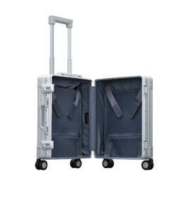 "International Carry-On 19"" Koffer in Platin"